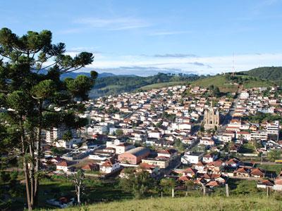 Maria da Fé, a cidade das oliveiras, que fabrica o melhor azeite do Brasil com belíssimo artesanato de bananeiras, está assustada com um assassinato ba