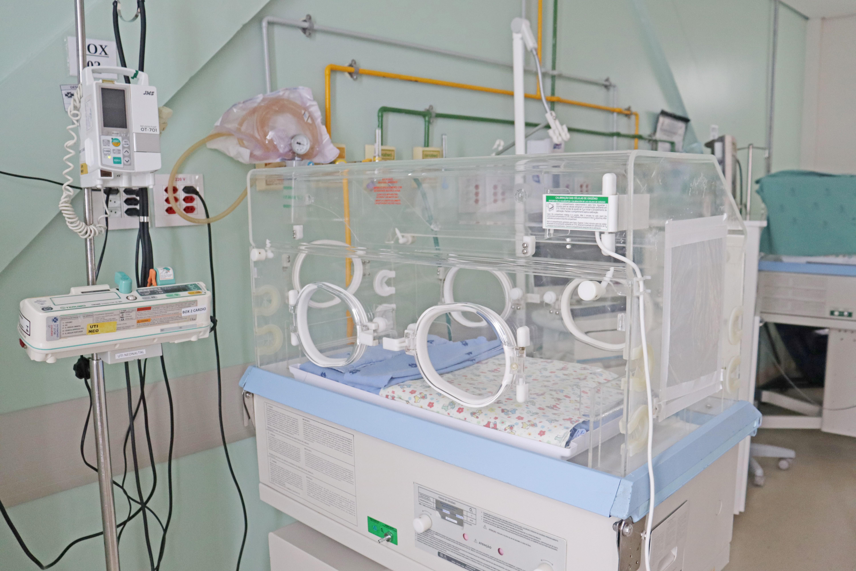 Santa Casa de Passos disponibiliza cinco leitos de UTI neonatal para bebês do Amazonas