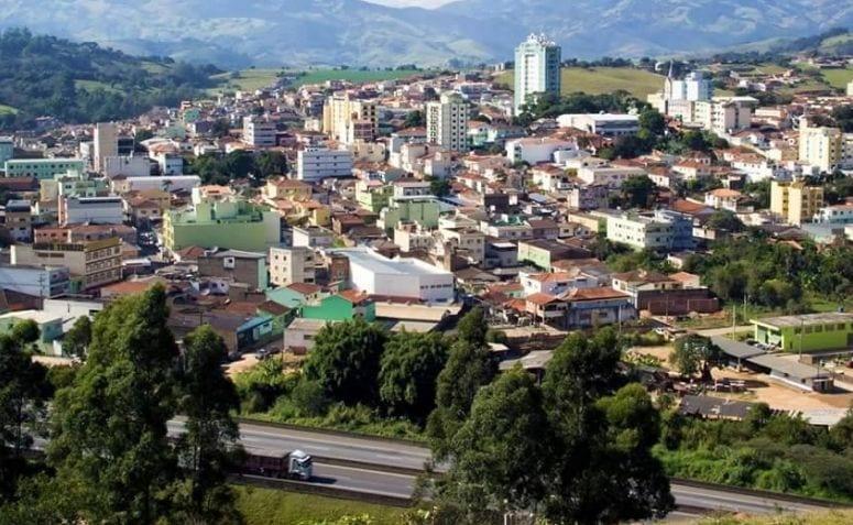 Cambuí, no Sul de Minas, às margens da Rodovia Fernão Dias, quase na divisa com o Estado de São Paulo