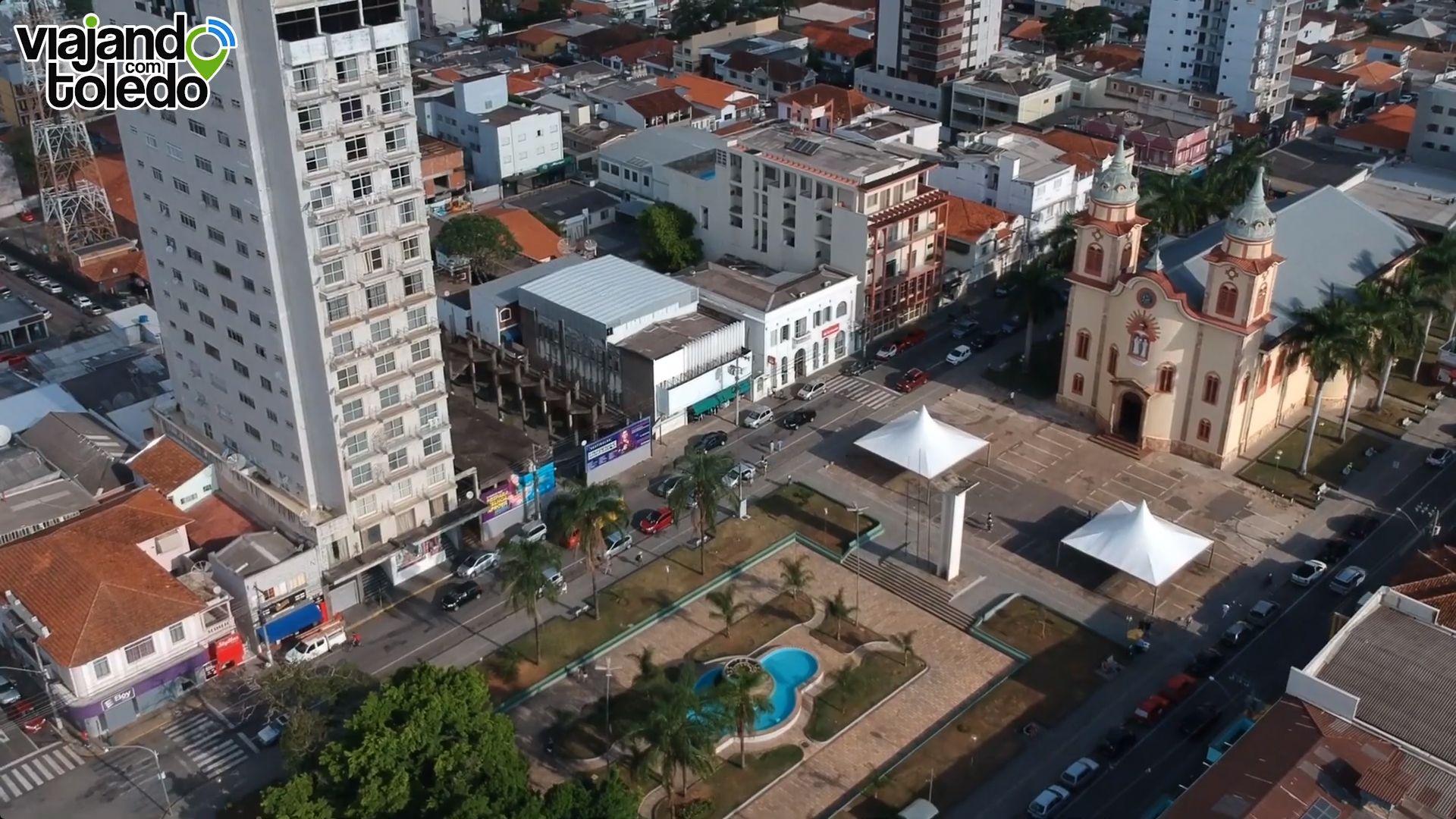 Cristãos Evangélicos oram pelos enfermos da COVID-19 em frente aos Hospitais de Alfenas: Santa Casa, IMESA e Hospital Universitário Alzira Velano