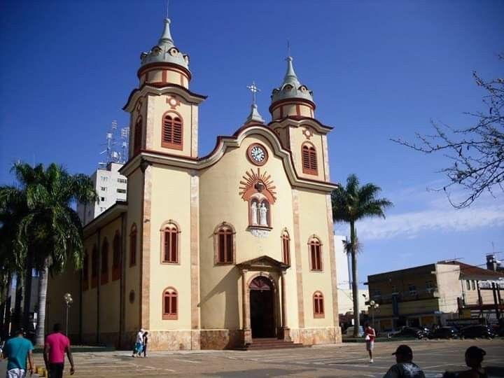 Igreja Matriz de São José e N S das Dores de Alfenas